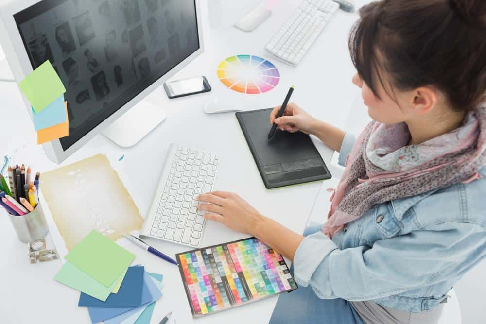 How to Start Your Own Graphic Design Business: Step-by-Step | JUST ...