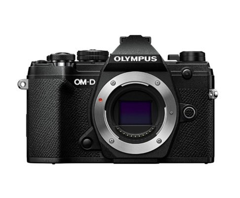 Mejores cámaras para diseñadores gráficos y creativos - Olympus OM-D E-M5 Mark III