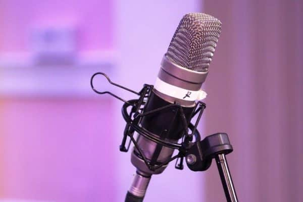 Microphone - 5 Pro Tips to Gain Podcast Subscribers