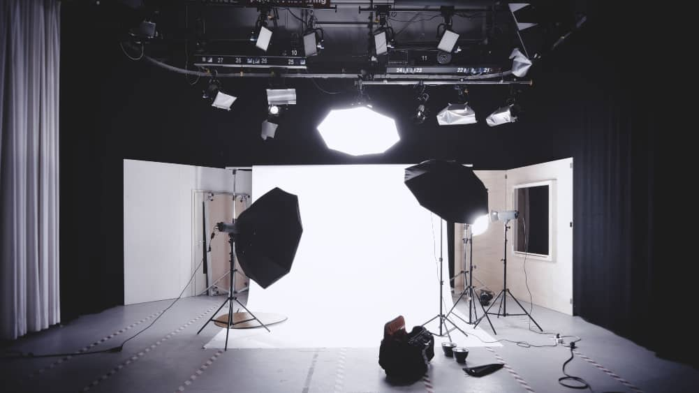 Using large light sources in photography